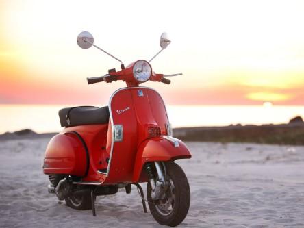 VESPA-PX-150-Red.jpg